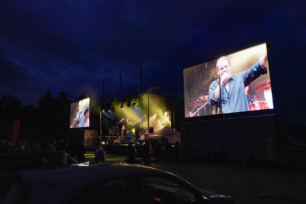 Drive-in Theater Mont-Tremblant | Loud & Paul Piché